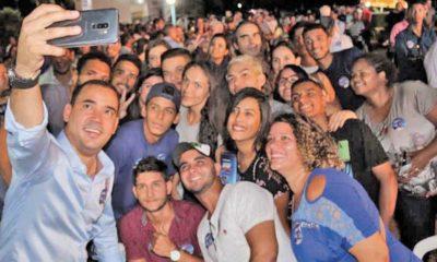Com mais de duas mil pessoas presentes Vicentinho Júnior lança campanha à reeleição em Porto Nacional