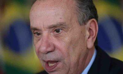 Brasil tem instituições democráticas sólidas, diz ministro na Europa